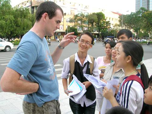 Học làm quen với người nước ngoài